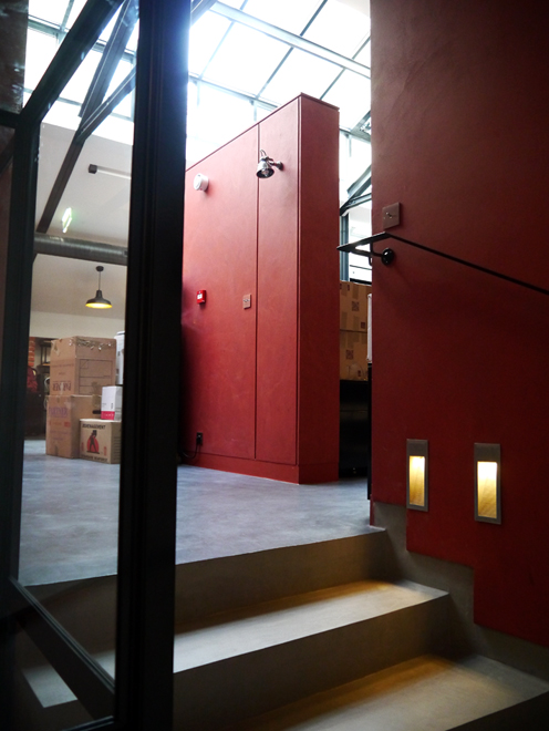 mur et escalier en b ton cir marius aurenti r alisation flore molinaro flore molinaro. Black Bedroom Furniture Sets. Home Design Ideas