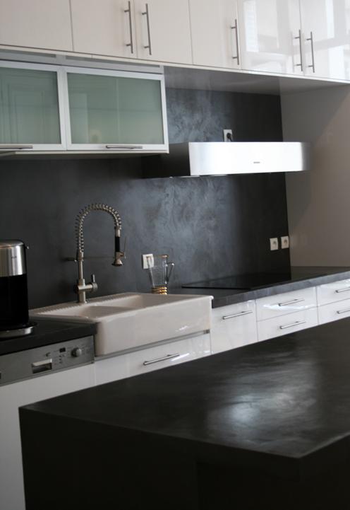 Beton cire mur cuisine photos de conception de maison for Entretien beton cire cuisine
