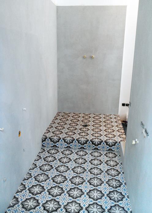 Salle de bain murs en béton ciré